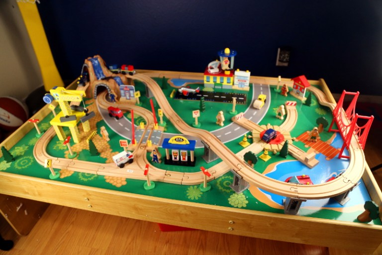 Best Train Table For Kids 2016